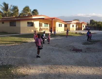 Haitiaanse kinderen in het kinderdorp