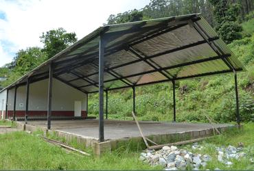Eetzaal voor (wees)kinderen in Bulembu