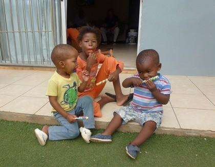 IJsje eten in Kayamandi, Zuid-Afrika