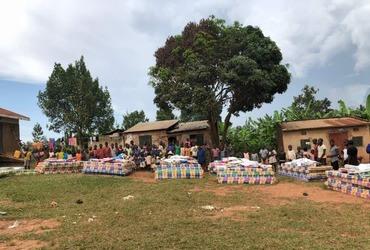 Blijdschap in Oeganda: Matrassendistributie gestart!