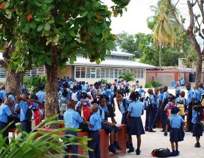 Kinderen op school in Bon Repos Haiti