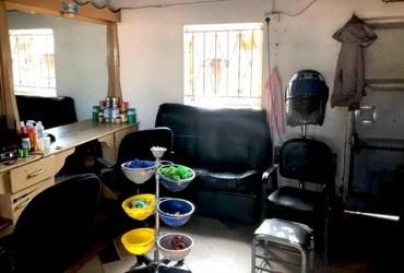 Microkredietproject: Een kapsalon in Oeganda