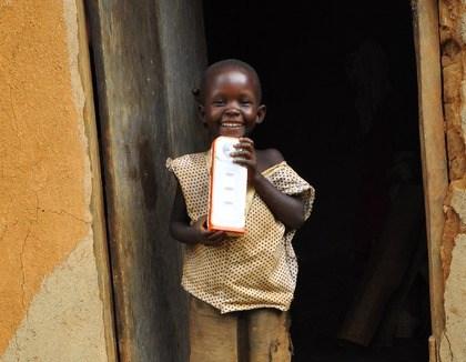 Breng licht in de donkere Oegandese hut