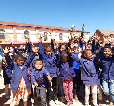 Blije schoolkinderen