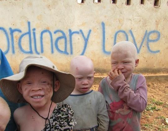 ordinary love foto